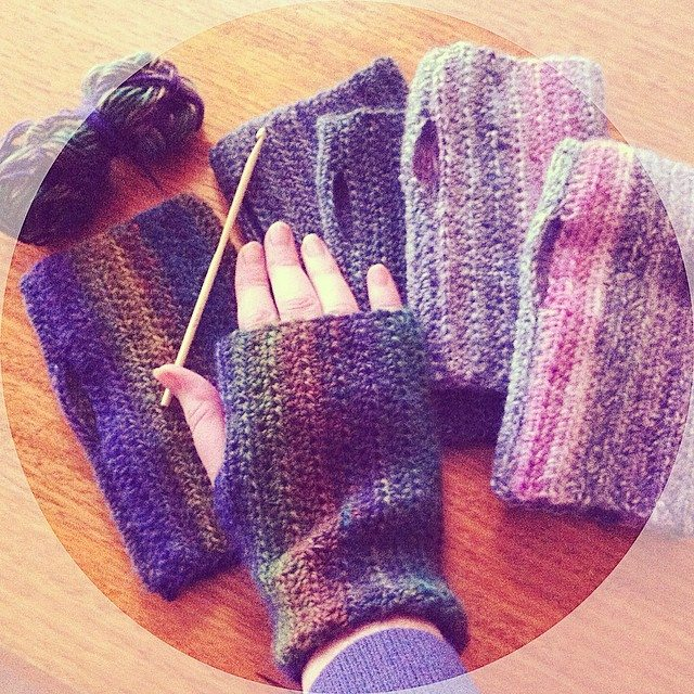 lyndapc crochet wrist warmers