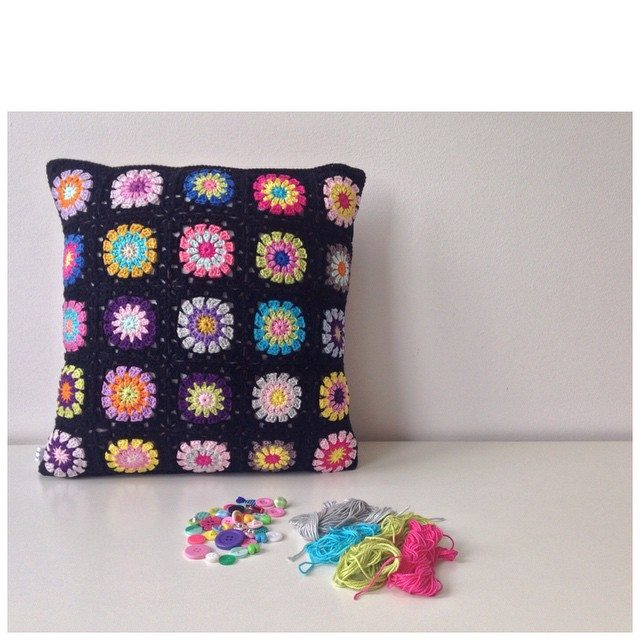 marretjeroos crochet squares cushion