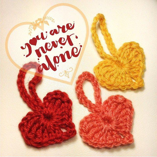 queen_babs crochet hearts