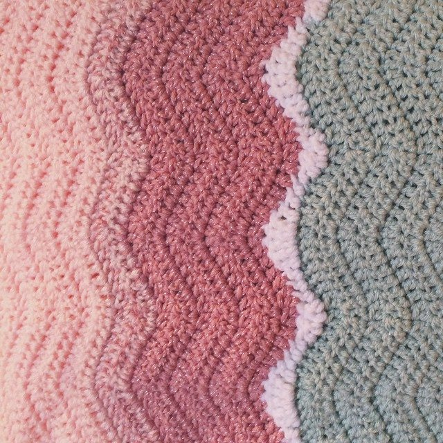 raimarie16 crochet pink sand chevron