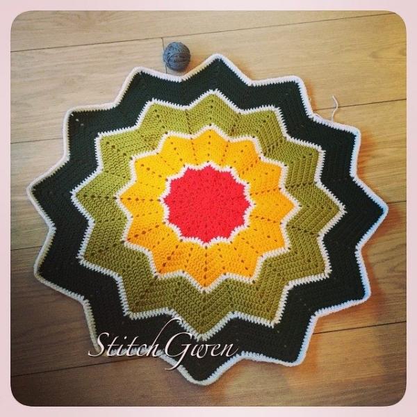 stitchgwen crochet ripple star