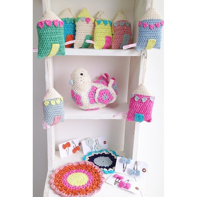 sweet_sharna crochet shelves