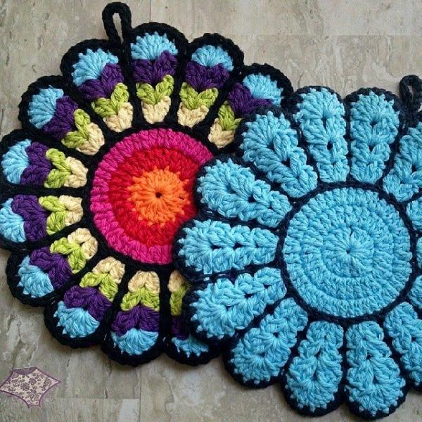 thepurpleponcho crochet potholder
