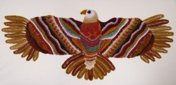 crochet hawk art benoot