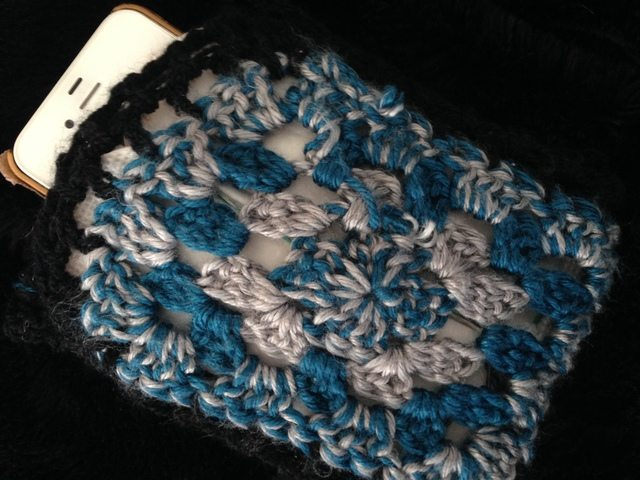 crochet iphone cozy