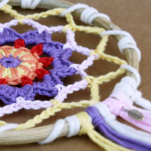 atnanasknee crochet dreamcatcher