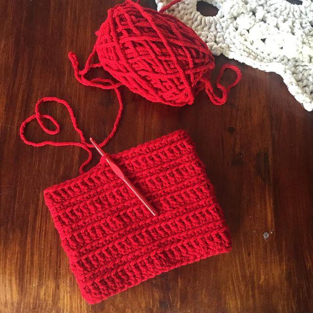 charlien.crochet24 crochet cowl