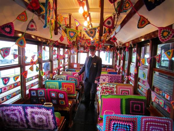 crochet tram