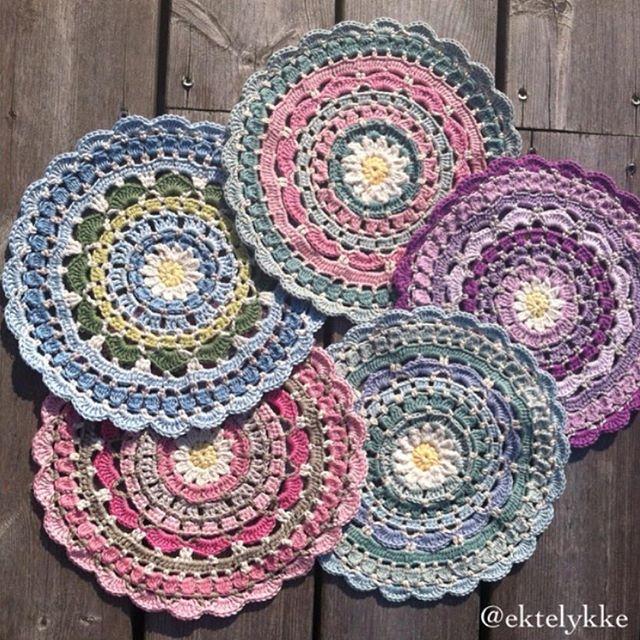 ektelykke crochet mandalas