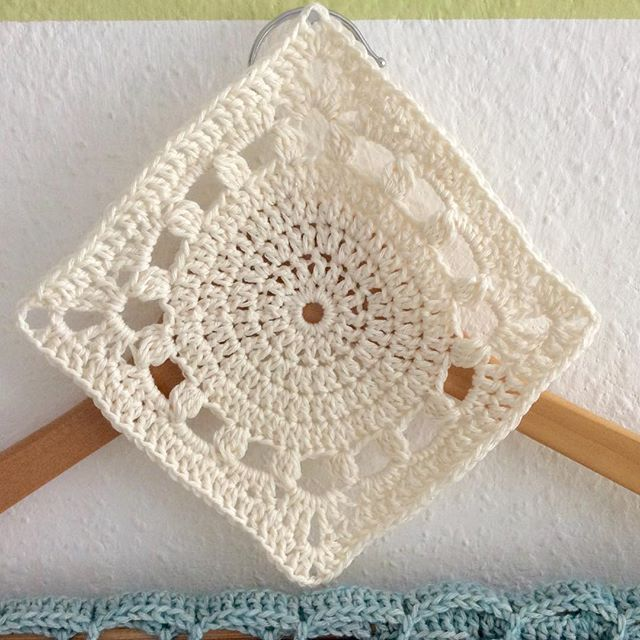 elisabethandree crochet square