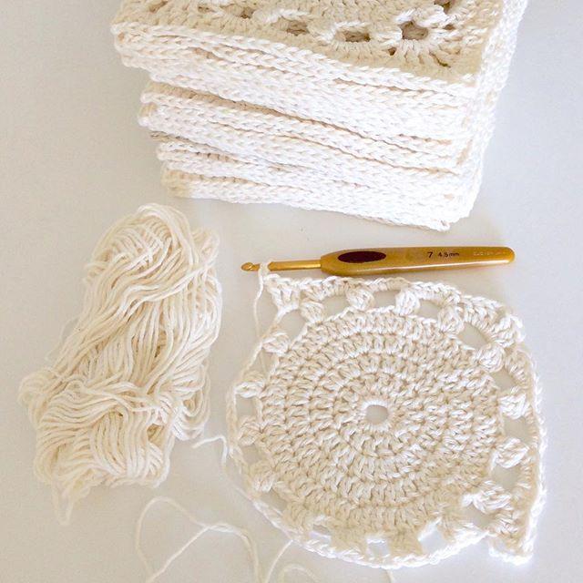 elisabethandree crochet squares