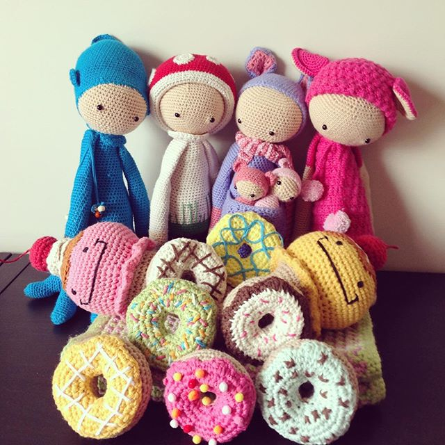 flamingpot crochet dolls and donuts