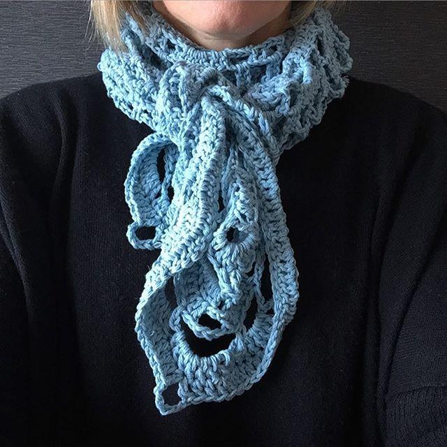 fleurb2509 crochet scarf