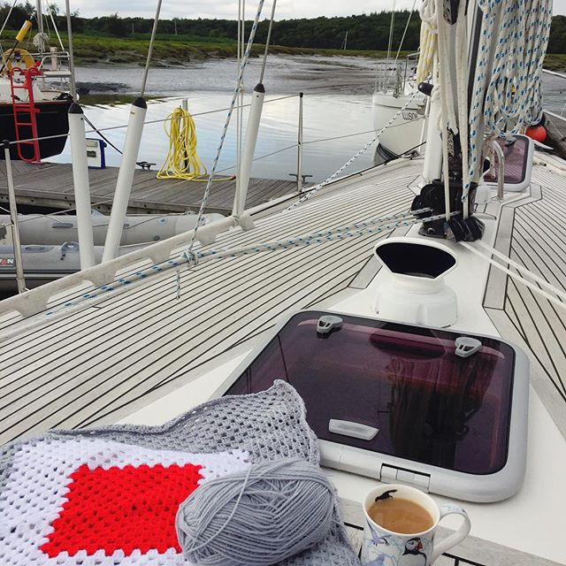 holly_pips crochet on a boat