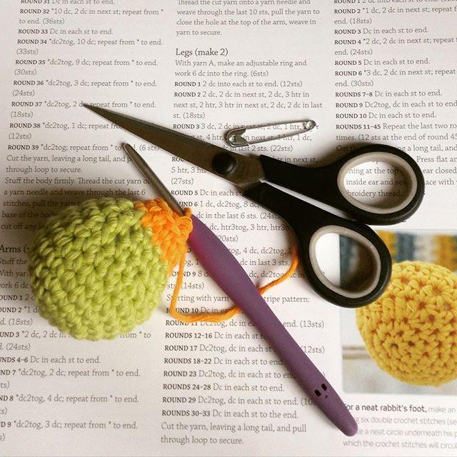 hooked__on__hooky crochet rabbit paw