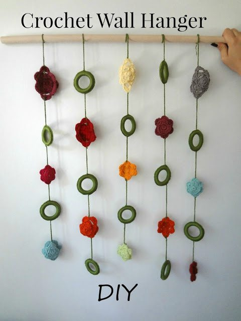 how to crochet a floral wall hanger
