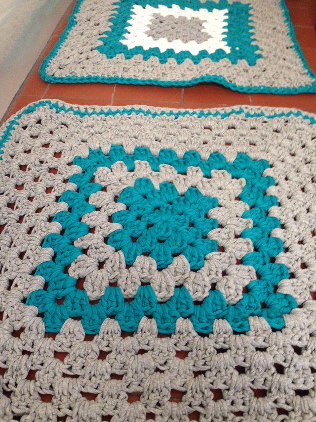 t0shirt yarn crochet bath mat