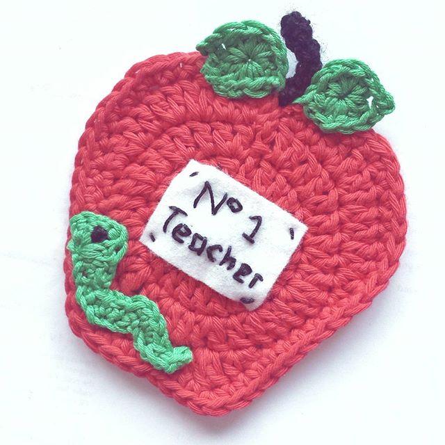 kellyandcrochet crochet teacher apple