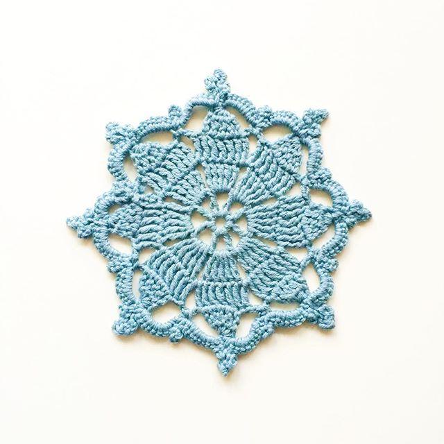 knitpurlhook crochet motif