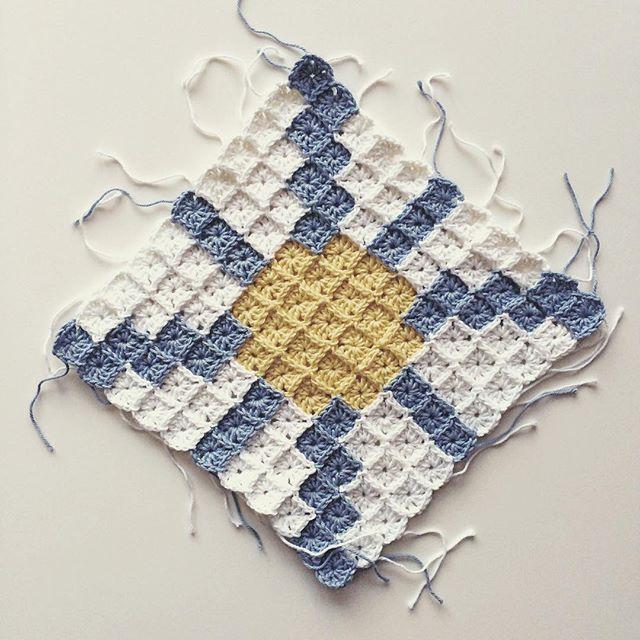 knitpurlhook crochet small squares
