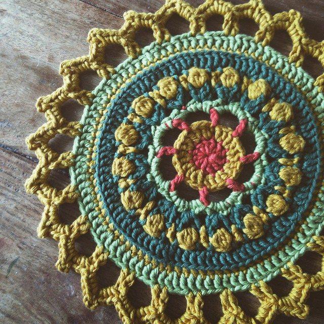 lou.teacrochet crochet mandala