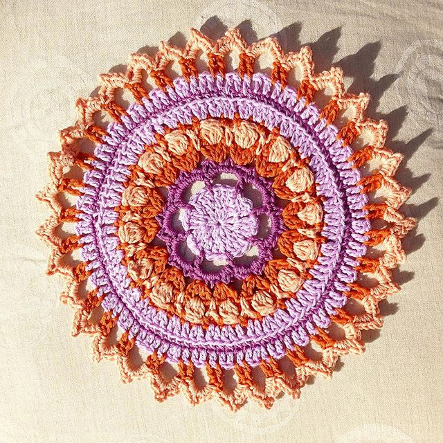 loveagoodyarn crochet mandala