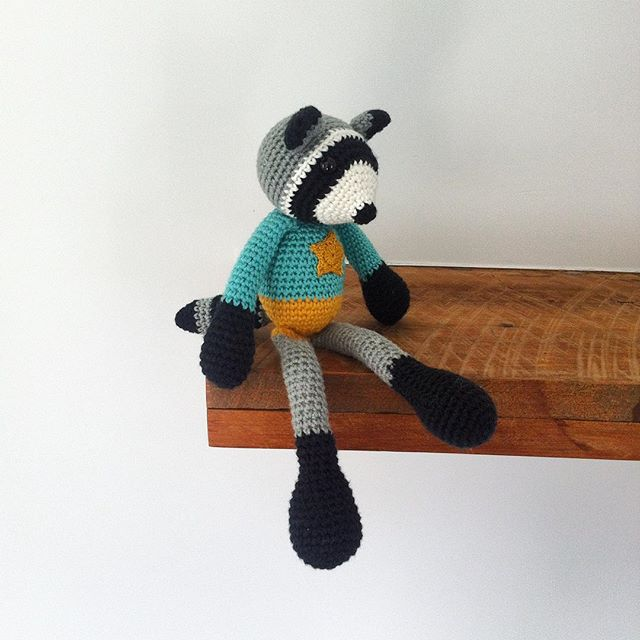 ponytales_ crochet raccoon