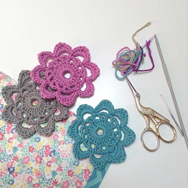 shirleyrainbow_tb crochet motifs garland