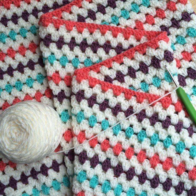thepolkadotgiragge crochet granny blanket