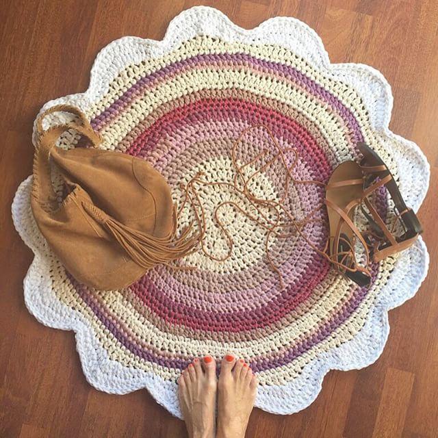 winterbeachbymab crochet flower rug