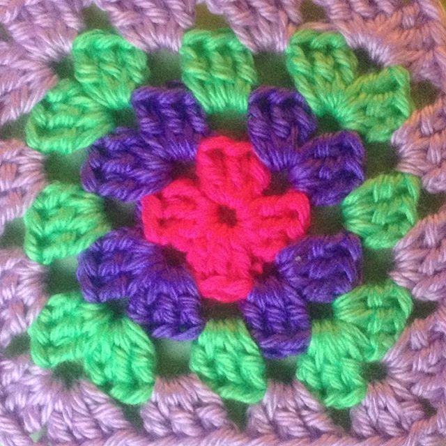 ahappycrocheter granny square crochet