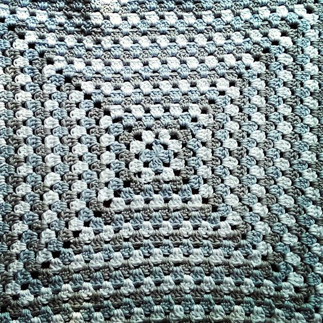 chwhitworth crochet granny blanket