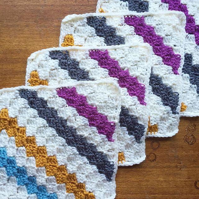 cozamundo crochet zig zag squares