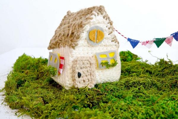 crochet house