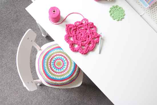 crochet mandala cushion free pattern