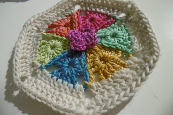 Crochet Patterns For Motifs : 14 Crochet Patterns for Motifs and Appliques