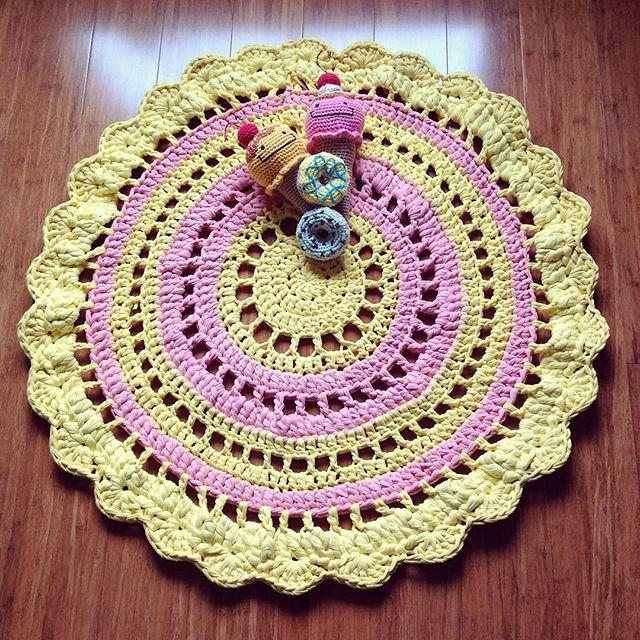 flamingpot crochet pastel rug
