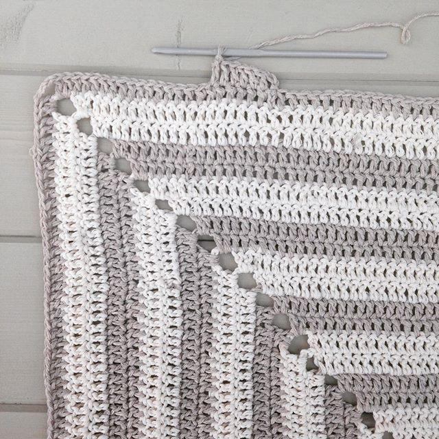 gooseberryfool crochet granny square pram blanket