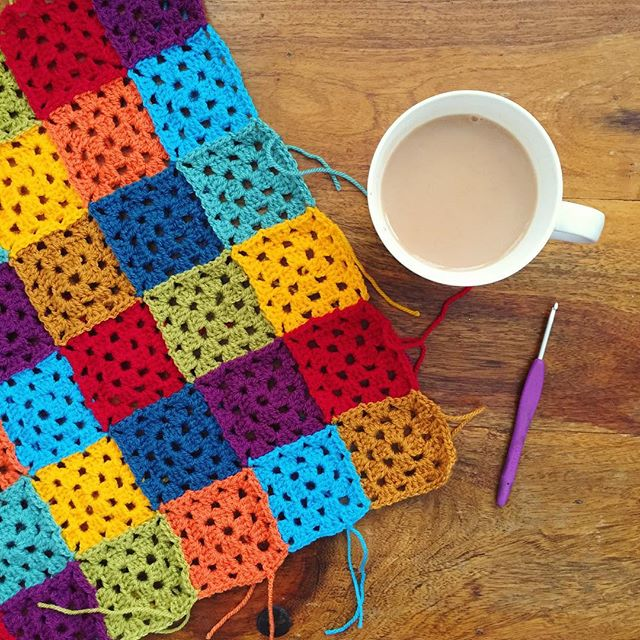 holly_pips colorful crochet granny squares joined