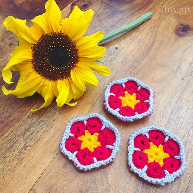holly_pips crochet flowers