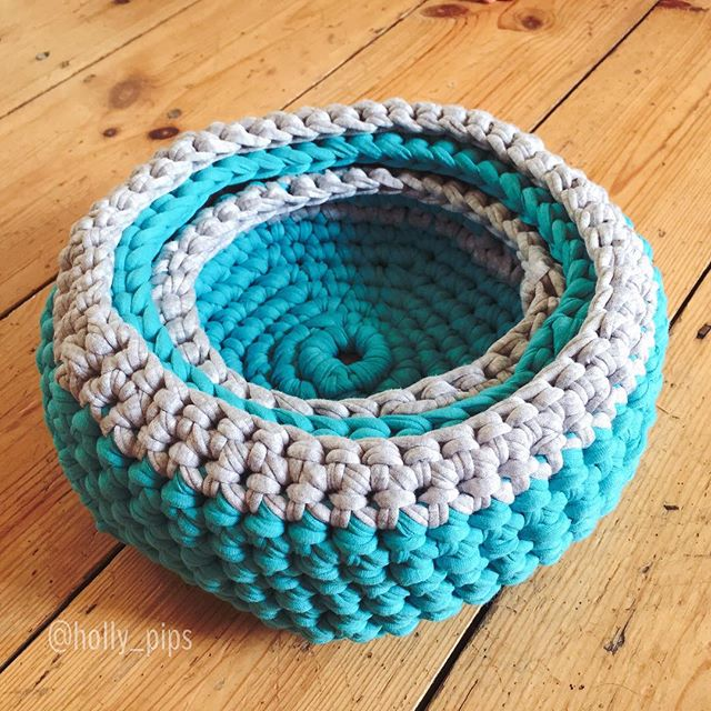 holly_pips crochet t-shirt yarn basket