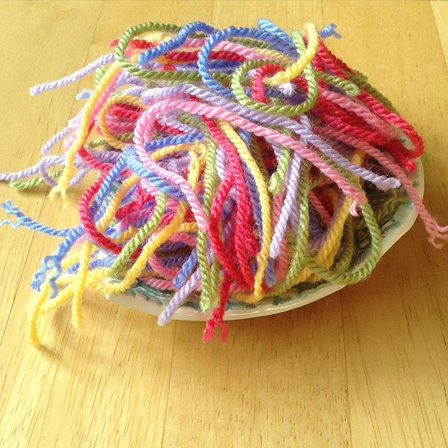 hooked__on__hooky rainbow spaghetti yarn ends