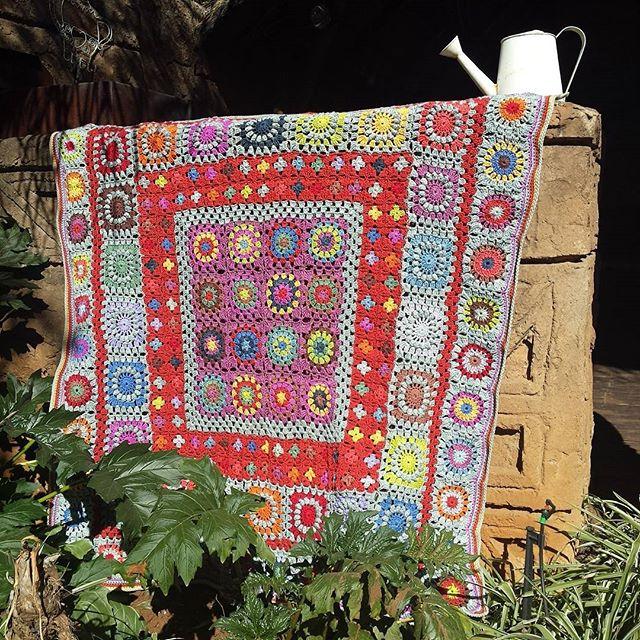 hookybren crochet granny blanket