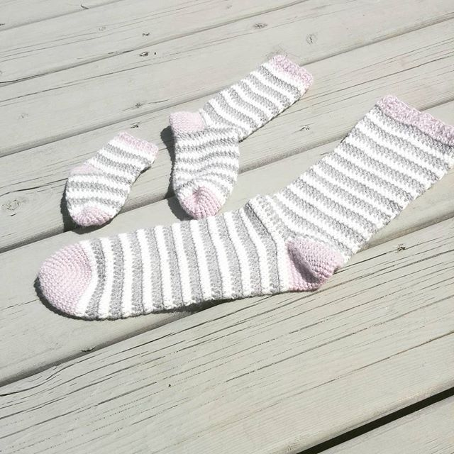 julie_accrochet crochet striped socks pattern