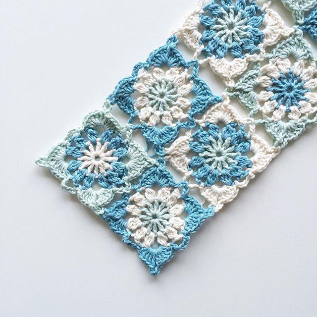 knitpurlhook crochet blue squares