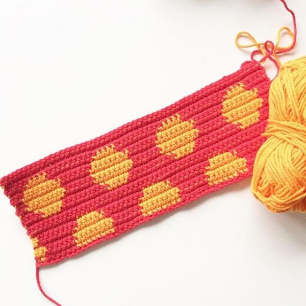 knitpurlhook tapestry crochet polka dots