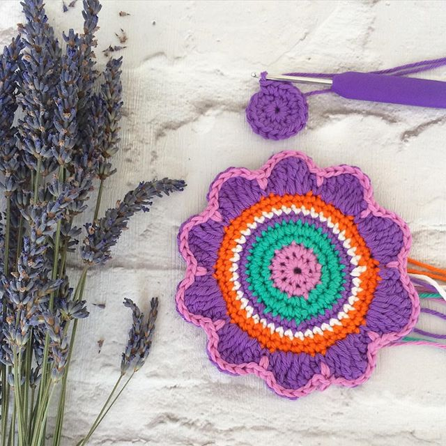 laura_makes crochet lavender bags