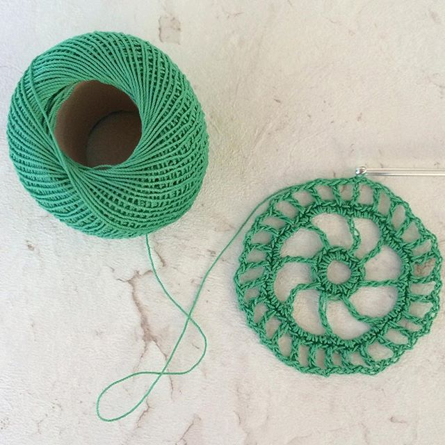 laura_makes thread crochet circle lace