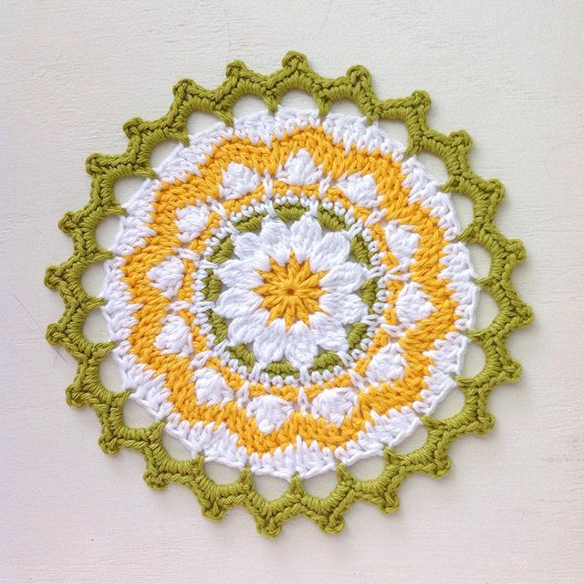 lcs_girl crochet flower mandala