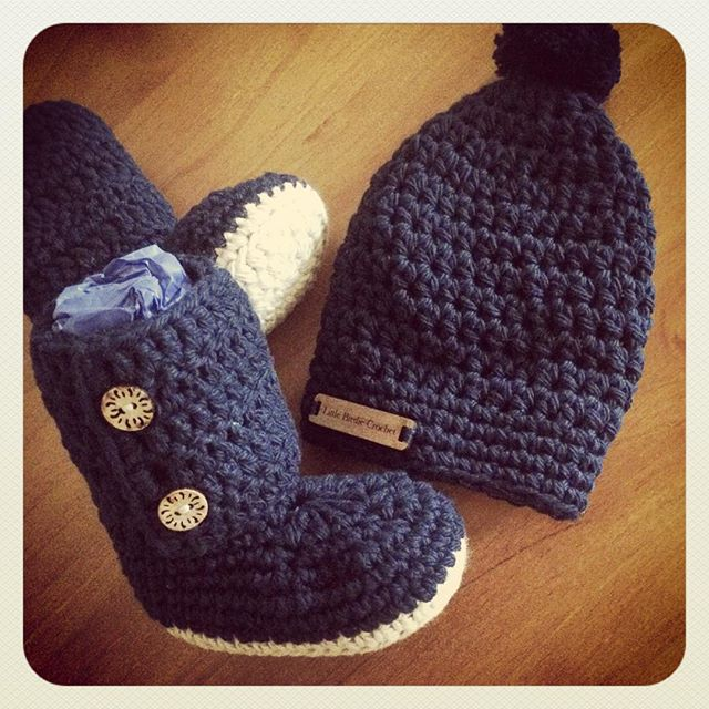 littlebirdiecrochet crochet baby set booties and beanie